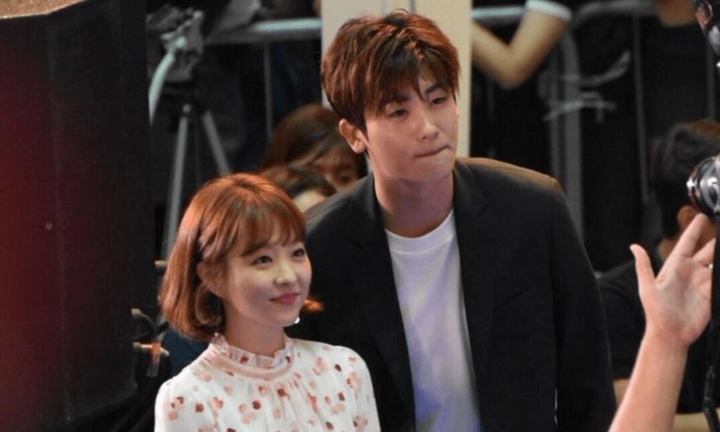 ngoai doi park hyung sik con an can voi park bo young hon ca trong phim