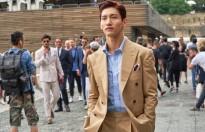 show dien thu dong 2019 cua versace tai tuan le thoi trang milan