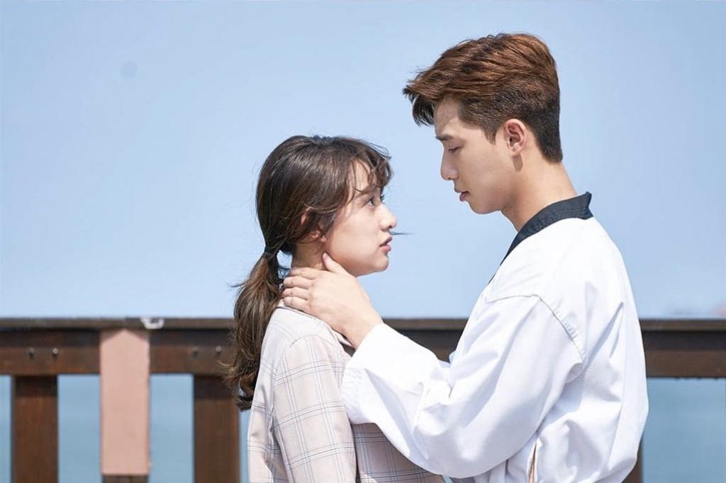 kang ha neul la ban dien an y voi park seo joon vuot qua ca kim ji won va hwang jung eum