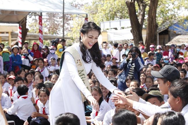 hoa hau phuong khanh khoi dong du an chong bien doi khi hau tai que huong