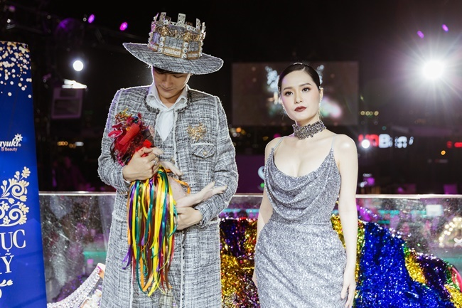 lo dien vi giam khao drama nhat show thuc te 2018 het cuoi ngua den om heo gay song gio