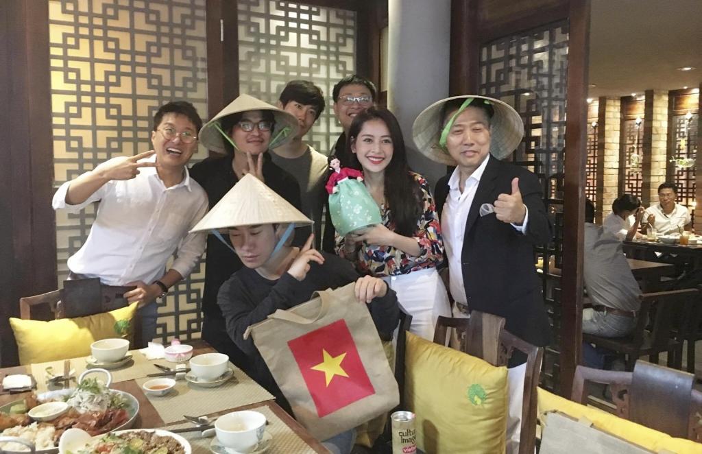 chi pu noi bat tren tham do thang giai nu dien vien phong cach nhat 2017