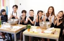 giam khao vietnam idol kids dan dan thi sinh di lam banh pizza