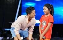 Trọng Hiếu tận tình tập luyện cùng dàn thí sinh 'Vietnam Idol kids'