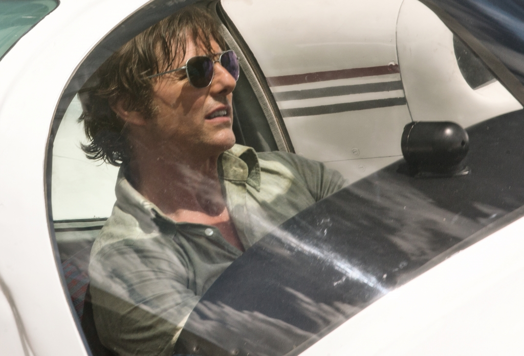 diep vien nguoi hung tom cruise bien doi 180 do thanh toi pham barry seal