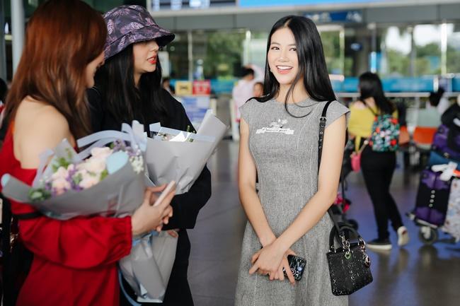 phuong khanh rang ro don cuu hoa hau trai dat karen ibasco den viet nam