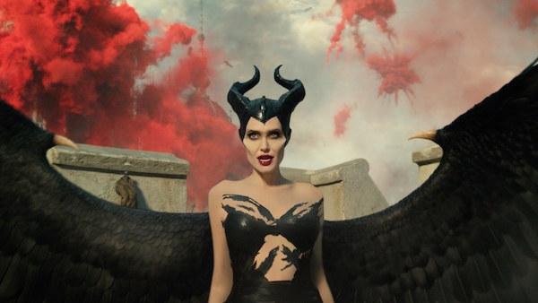 review maleficent mistress of evil mam co day cua ky xao phuc trang khien khan gia man nhan