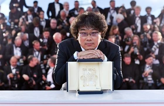 bong joon ho dao dien dau tien cua chau a dat giai phim hollywood cho nha lam phim xuat sac nhat
