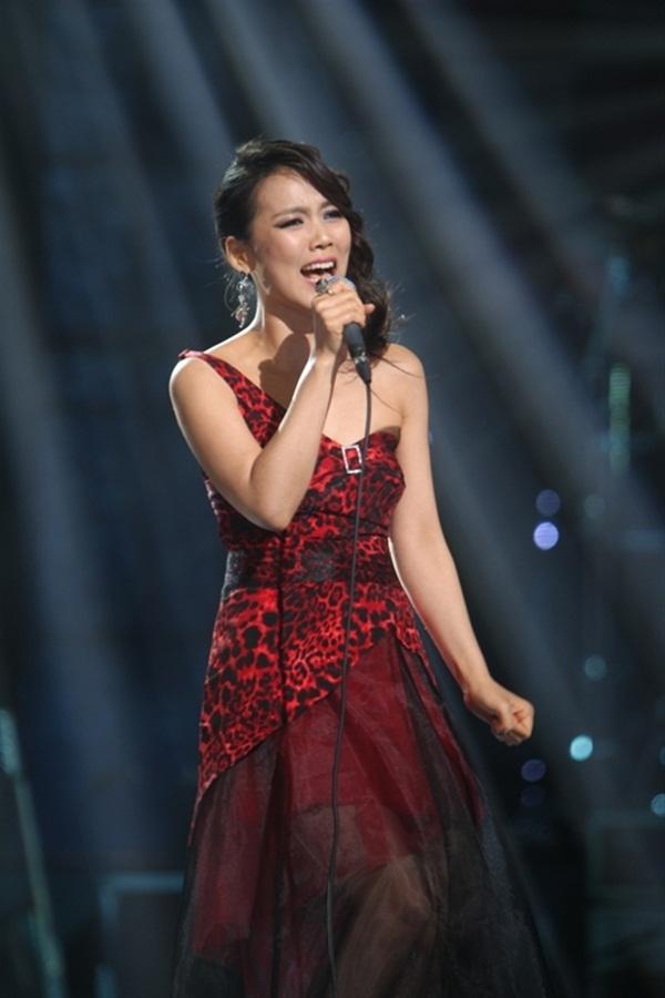 diva han quoc tro lai viet nam to chuc concert mang ten spark live concert so hyang in vietnam moi dan danh ca diva khung cung gop mat