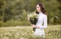 anika trinh trinh dang quang hoa khoi guong mat thoi trang mua xuan