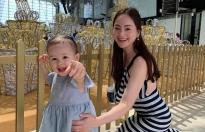 Lan Phương tiết lộ bí quyết con gái ngoan ngoãn khi đi máy bay, không làm phiền hành khách
