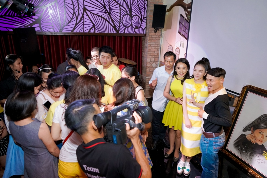 ly nha ky ru fans di bao mung chien thang cua u23 viet nam