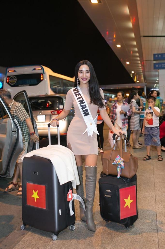 kiko chan mang 100kg hanh ly sang bac kinh du thi miss globe 2018