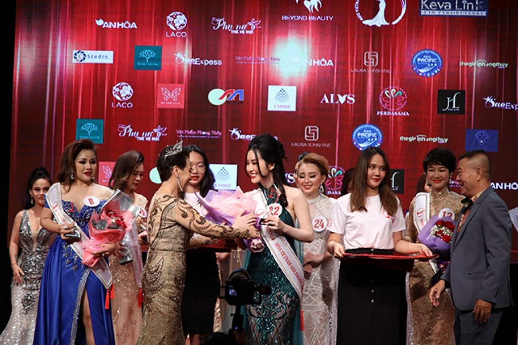 dau an dep cua hoa hau nguoi viet chau a thai binh duong 2019 tai malaysia