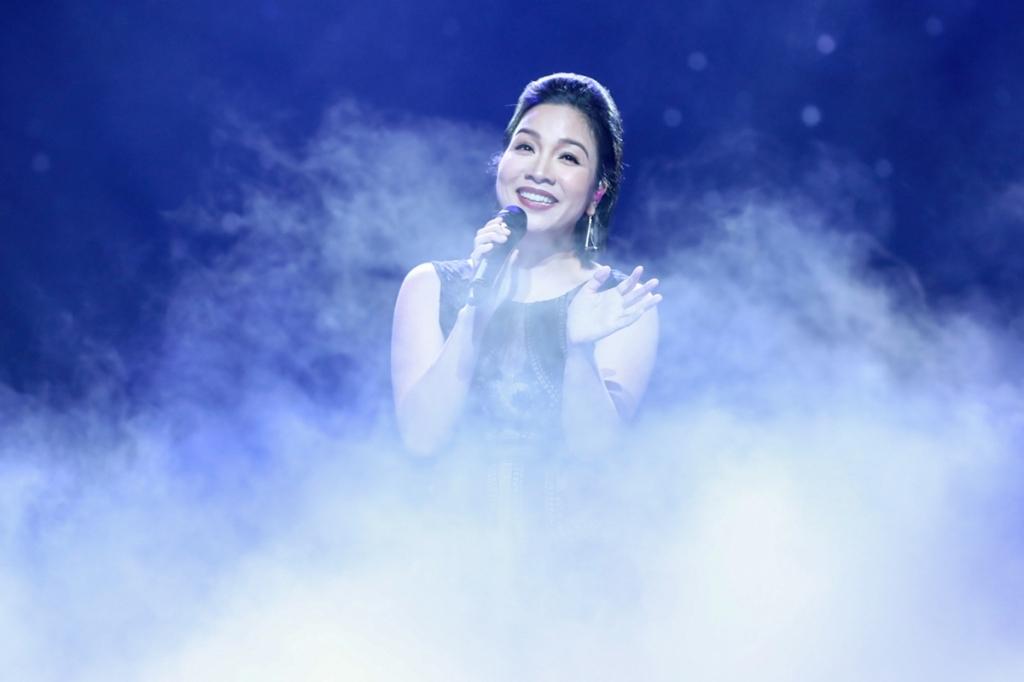 live concert danh thuc tam xuan cua nhac si duong thu tai ha hoi thanh cong ruc ro