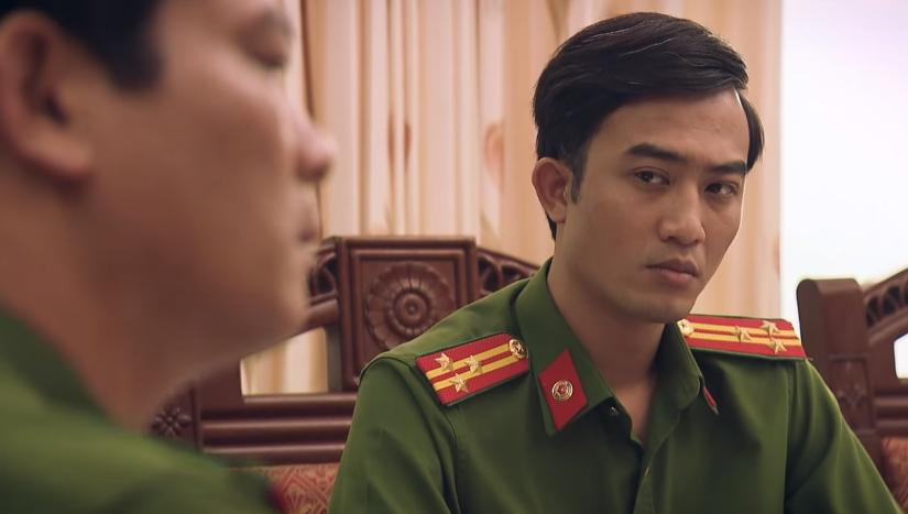 sinh tu tap 51 toan nhuong ghe cho tran bat mai hong vu gap nguy