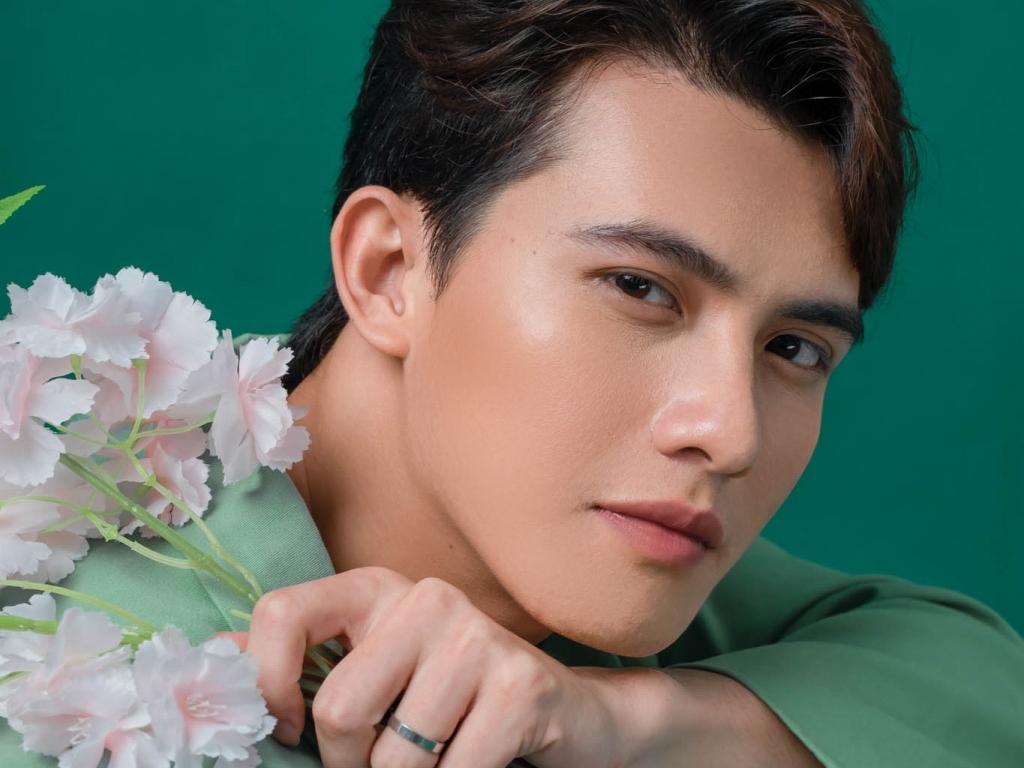 Trần Ngọc Vàng: Hé lộ nụ hôn 'không thể quên' với Hoàng Yến Chibi