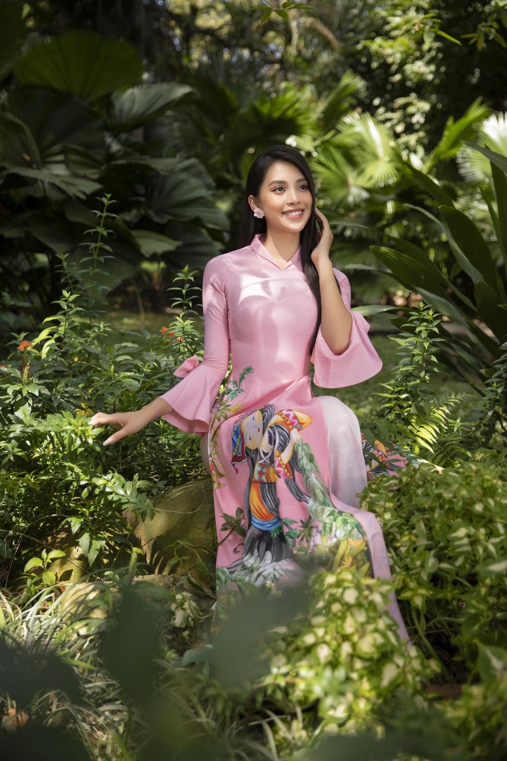 Hoa hậu Tiểu Vy tiết lộ xu hướng áo dài Tết 'hot trend' năm nay