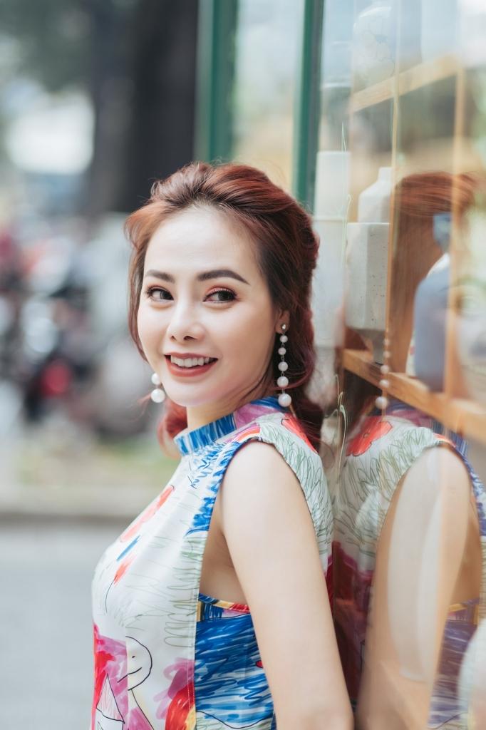 miss bikini 2012 tu hanh van diu dang ao dai don xuan