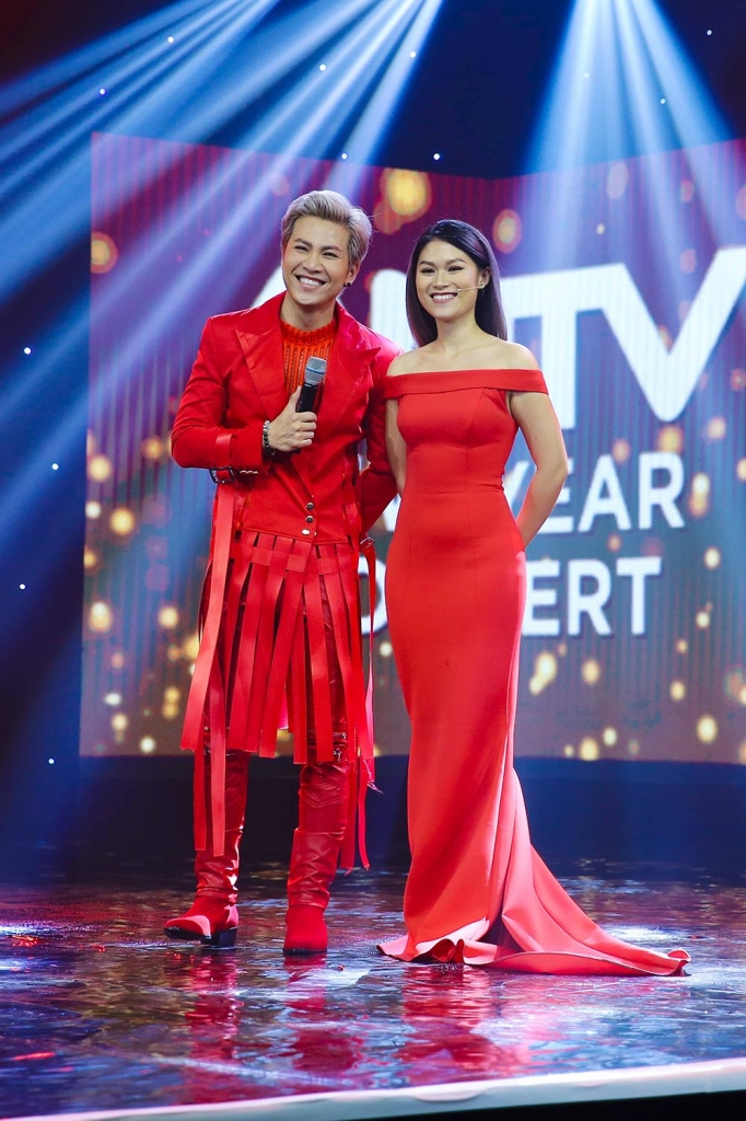 dan nghe si dinh dam quy tu trong antv new year concert 2018