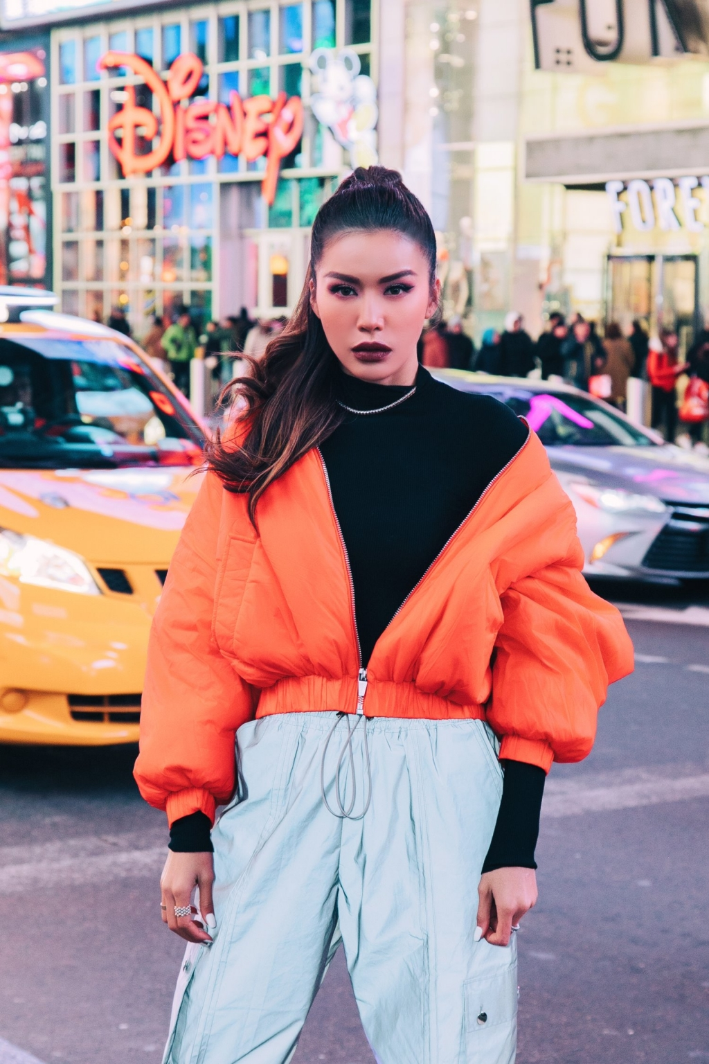minh tu khoe loat anh street style sanh dieu khi tham du new york fashion week 2020