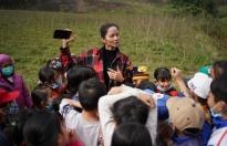 Hoa hậu H'Hen Niê tái hiện khoảnh khắc 'Miss Universe' trong chuyến công tác tại Quảng Bình