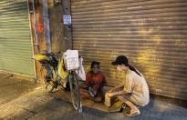 Tiểu Vy, Lương Thùy Linh, Thúy Vi 'sưởi ấm' những mảnh đời vô gia cư
