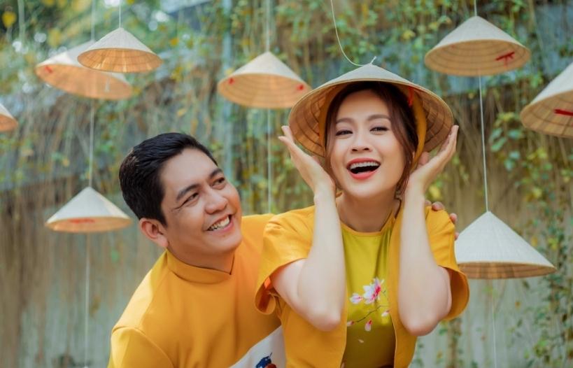 Thanh Thúy & Đức Thịnh khiến dân tình xuýt xoa vì quá đáng yêu trong bộ ảnh Tết