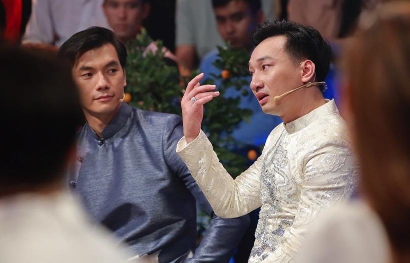 'Ký ức vui vẻ': Nhan Phúc Vinh & Thành Trung nghẹn ngào nhớ ba mẹ và mâm cơm tất niên