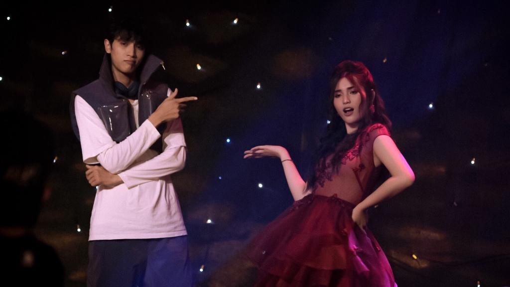 Diễn viên Ngân Nara hát ca khúc nhạc phim do chính cô sáng tác