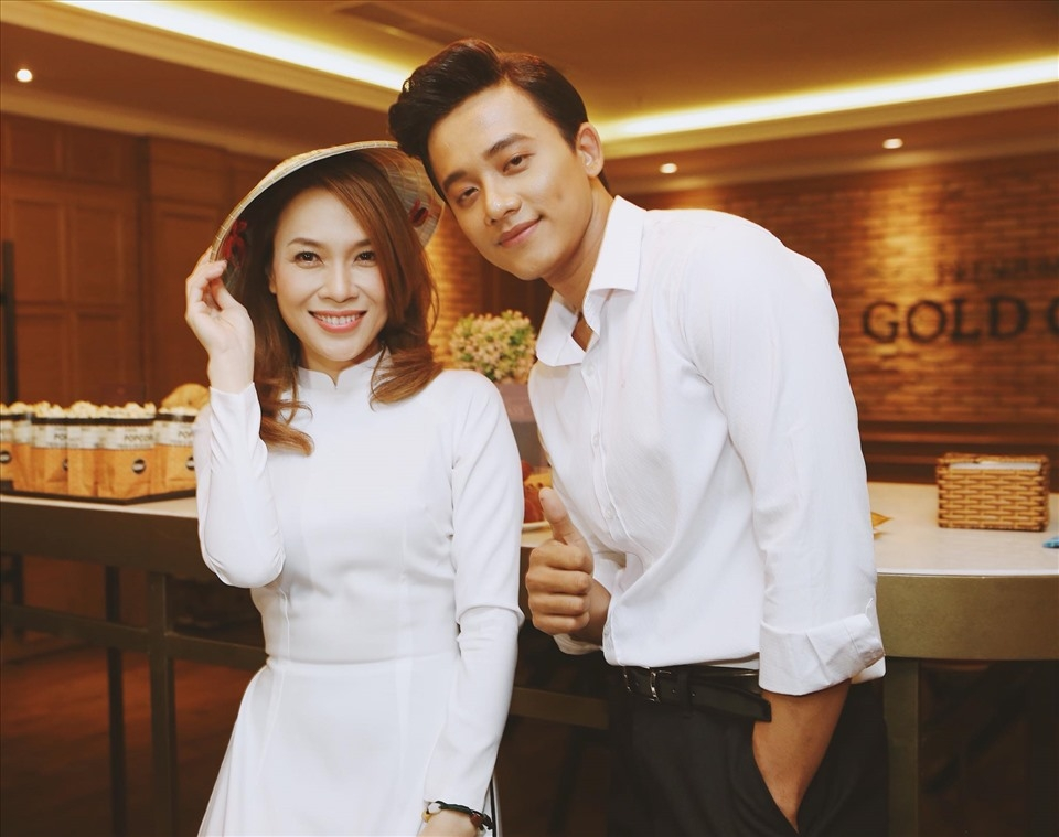 Cả hai cùng nhau tham gia buổi offline hồi tháng 10.2017