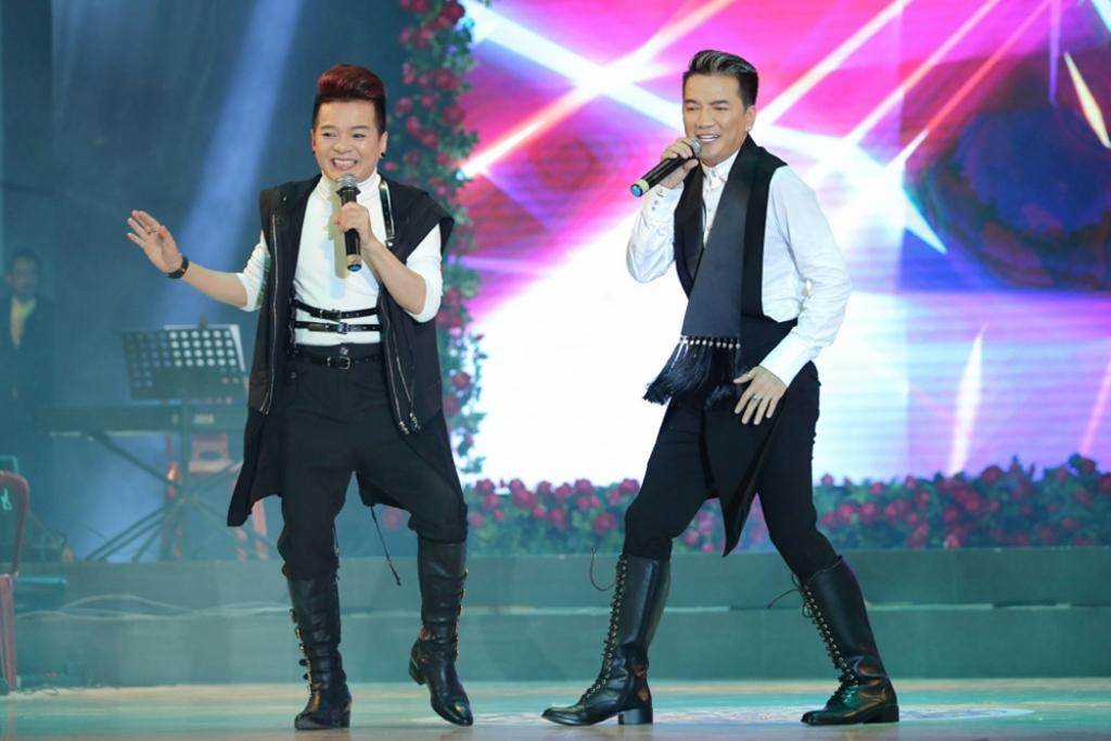 dam vinh hung lan dau hoi ngo ba xa ghe gom con trai khu kho trong 3 show dien lon