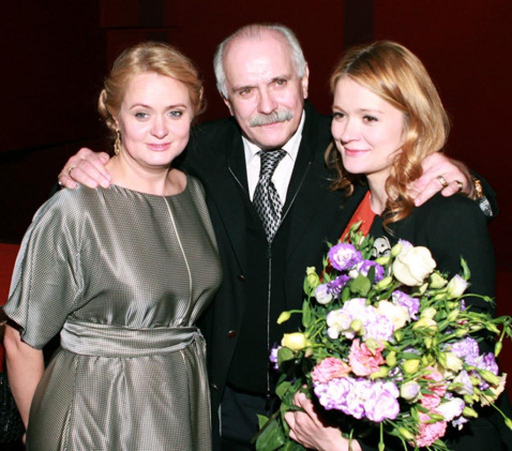 nam nguoi dan ba trong doi nikita mikhalkov