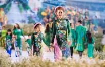 Các nhóc tỳ nhà Đàm Lưu Ly, Vy Oanh, Hoàng Bách càn quét sàn catwalk 'Lễ hội áo dài 2019'