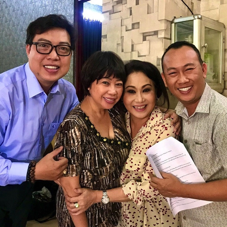 dao dien thanh hiep sam vai trong ve que hoi ngo cac nu nghe si noi tieng