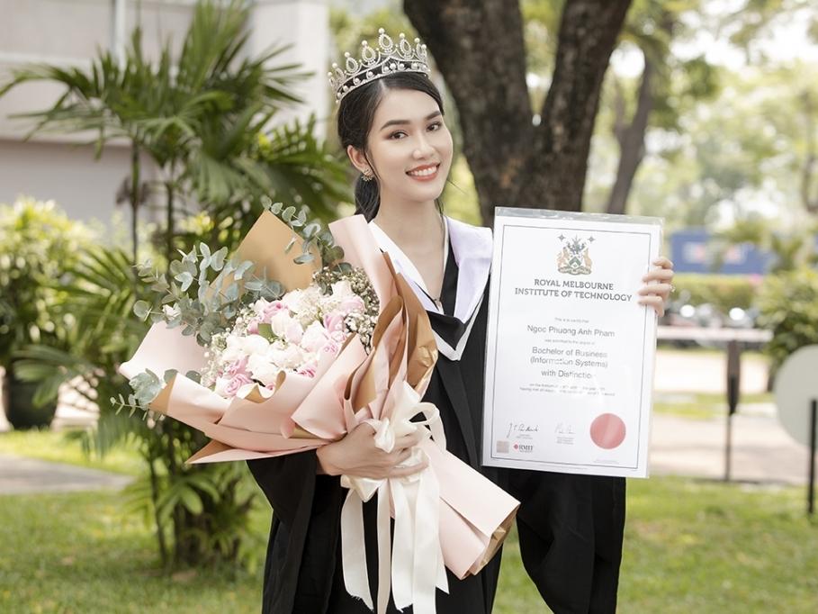 Á hậu Phương Anh tốt nghiệp thủ khoa Đại học, 'con nhà người ta' đây chứ đâu