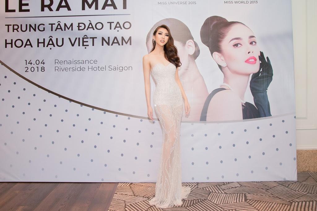 tuong linh hao hung gap go hoa hau the gioi 2013 megan young