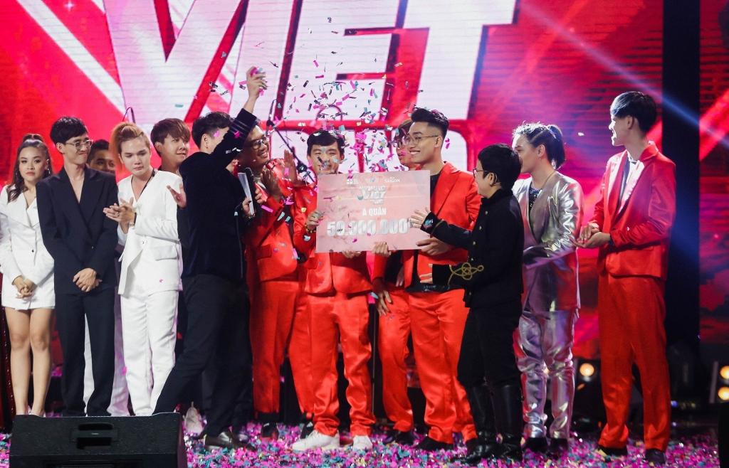Học trò Nguyễn Hải Phong xuất sắc giành giải Quán quân 'Ban nhạc Việt' mùa 2