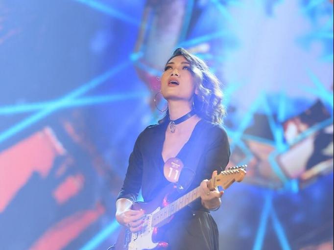 Lột xác với Rock, Thanh Tâm xuất sắc bước tiếp vào chung kết xếp hạng 'Sao Mai 2019'