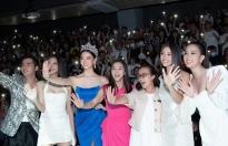 Tiểu Vy, Lương Thùy Linh 'náo loạn' khi thị phạm catwalk trong buổi chiêu mộ thí sinh tham dự 'Miss World Vietnam 2021'