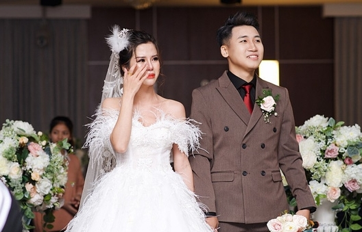 Nhìn lại chặng đường yêu nhau đầy ngọt ngào của Hot Volgger Huy Cung và vợ cũ