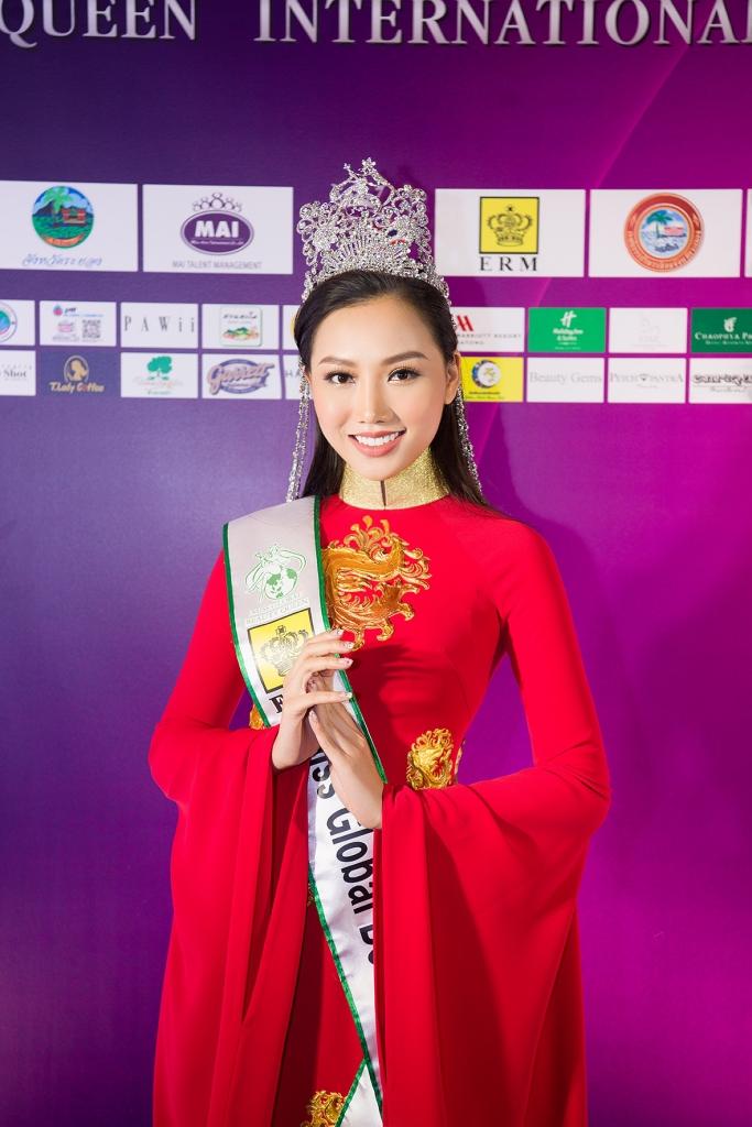 giam khao hoang thu thao noi ve su co hi huu btc quen trao vuong mien cho dieu linh tai miss tourism queen international 2018