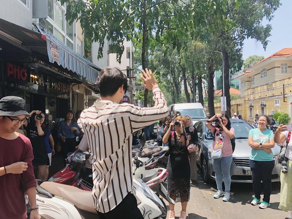 sao thai push puttichai tham quan va hop fans tai tp hcm