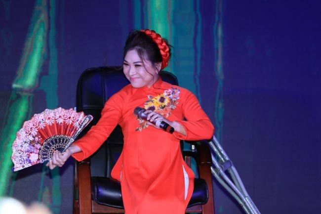 nuoc mat va nu cuoi trong dem chung ket duyen dang ao dai danh cho nguoi khuyet tat 2019