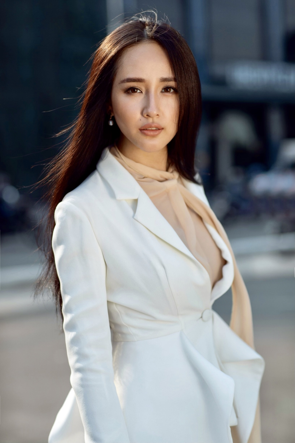 hoa hau mai phuong thuy chinh thuc tro thanh thanh vien ban giam khao miss world viet nam 2019