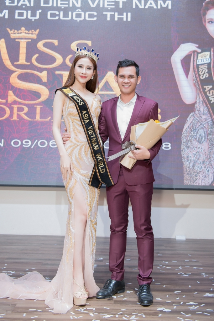 chi nguyen chinh thuc dai dien viet nam tham gia hoa hau chau a the gioi 2018