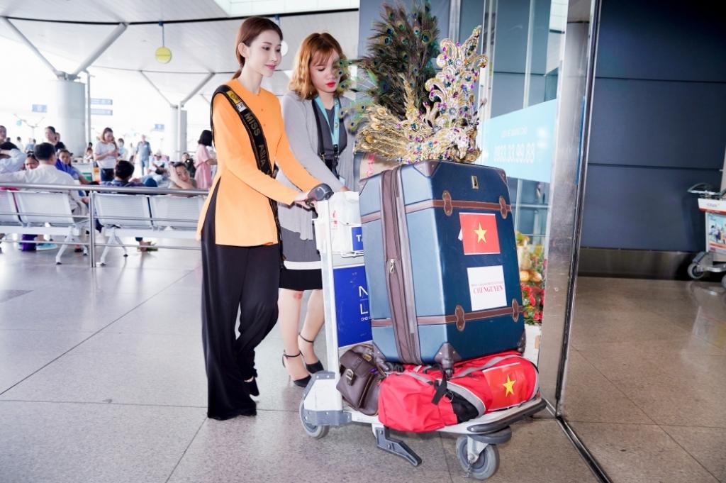 chi nguyen mac ao ba ba mot minh len duong tham gia tranh tai miss asia world 2018