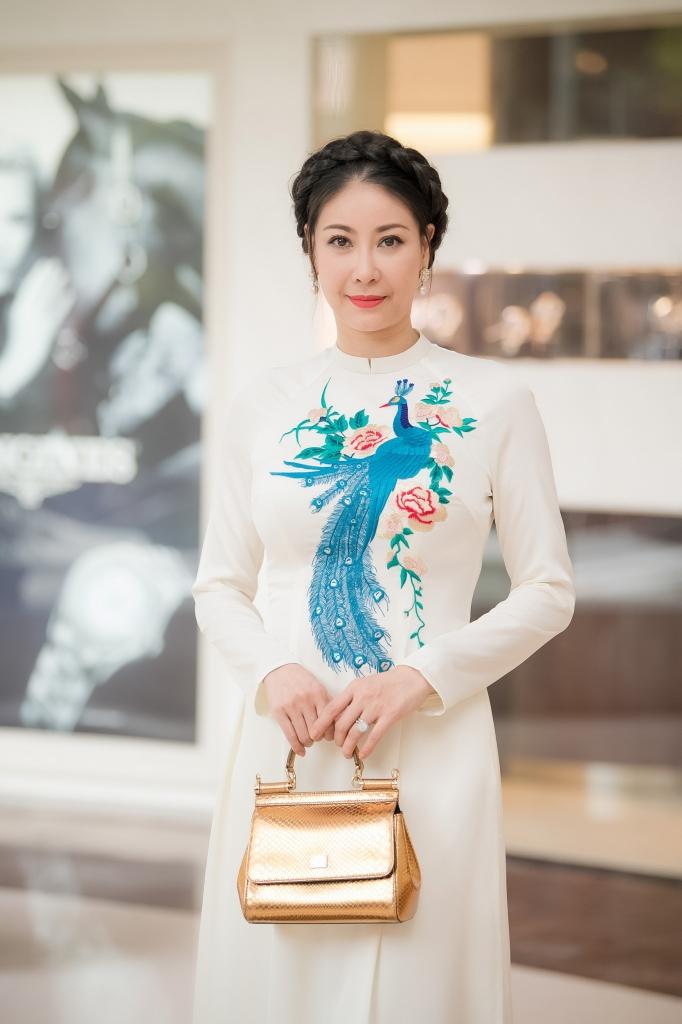 dien dam xanh pastel hoa hau do my linh dep tua nu than tai vong chung khao phia nam hoa hau viet nam 2018