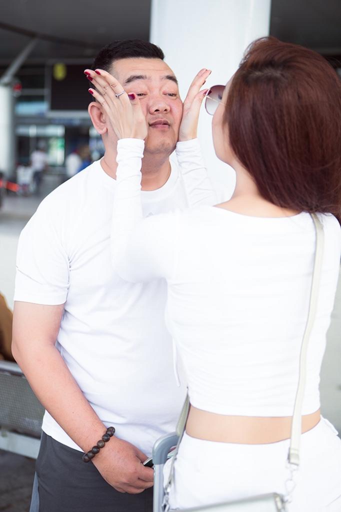 ca si ha thuy anh tiet lo lan dau gap tuan mario co nang goi nguoi thuong bang chu