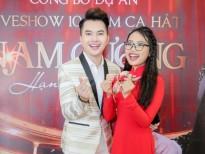phuong my chi dien chiec ao dai do noi ban bat mung live show nam cuong